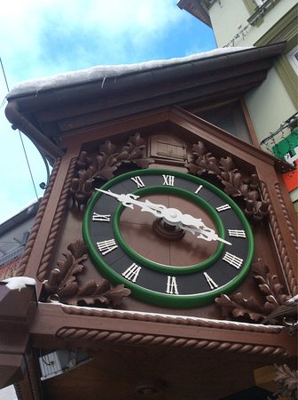 Samples of the clock works found at this shop  - Picture of