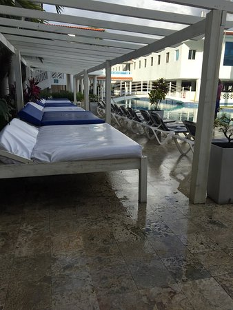Hotel Beach House Playa Dorada