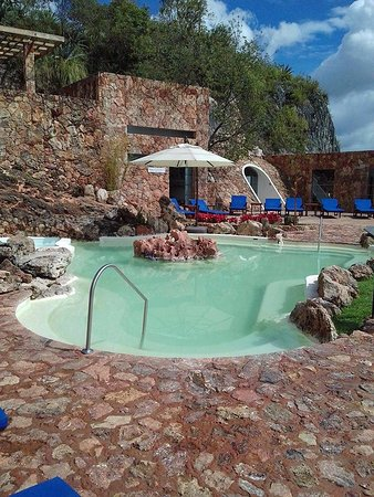 Piscina japonesa fotograf a de piedra de agua fuente termal spa cuenca tripadvisor - Piscinas de piedra ...