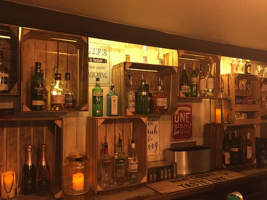 The Royal Oak: Our new back bar!