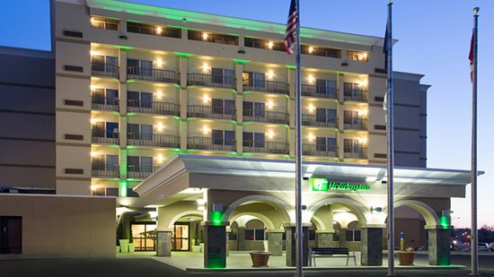 Holiday Inn Riverside- Minot