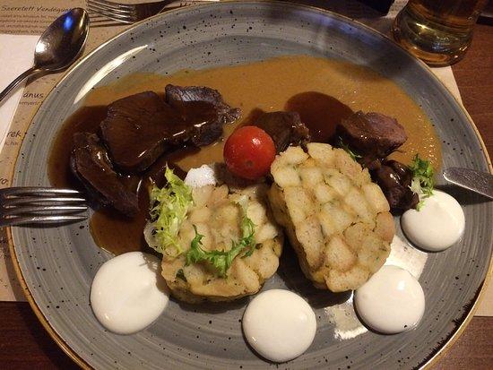 Piatti tipici ungheresi foto di vakvarju restaurant for Piatti tipici laziali
