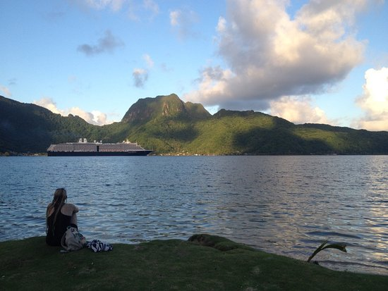 Tour American Samoa: Saying Tofa Soifua to another cruiseship from our beachfront facility.