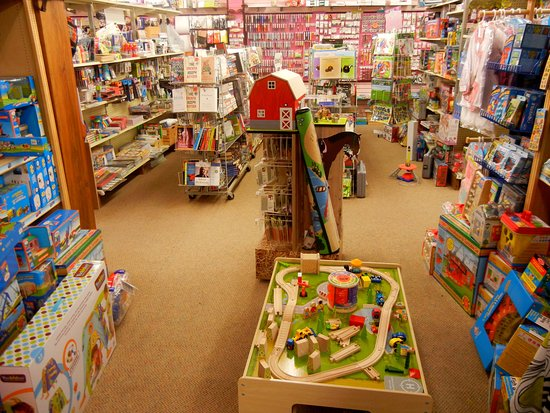 Fort Frances, Canada: The train table where kids can stop and play while Mom and Dad shop :)