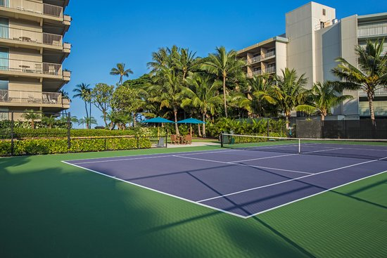 Aston at The Whaler on Kaanapali Beach: Tennis court for our quest