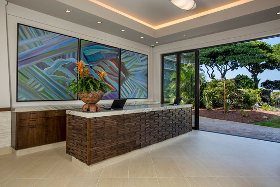 Aston at The Whaler on Kaanapali Beach: Newly renovated lobby with enhanced service