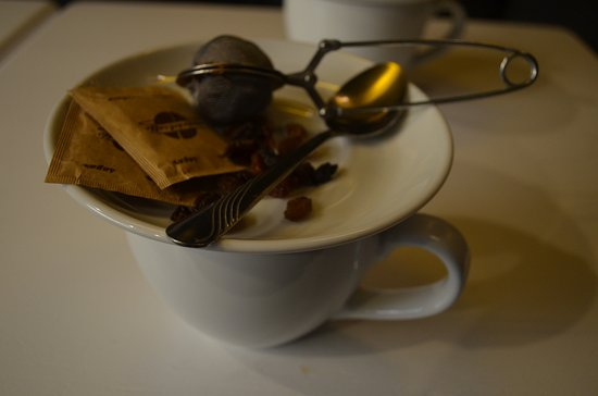 Kafka Cafe: Tisana e frutta secca