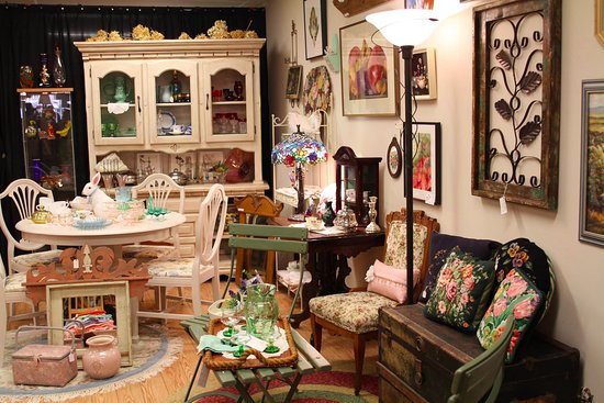 St. Marys, Canada: Vintage Furniture & Vintage Wares