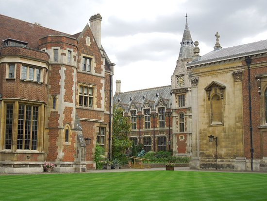 Pembroke College: another view of the court