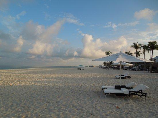 Bucuti & Tara Beach Resort Aruba: Morning beach view