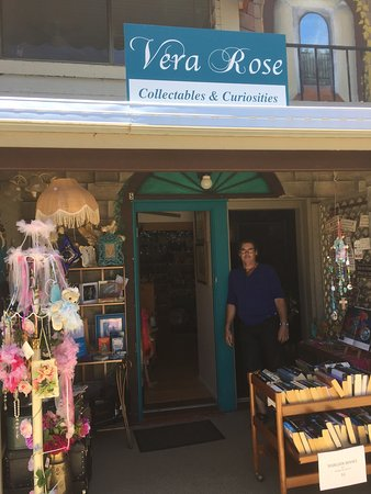 Eagle Heights, Australie : Vera Rose Collectables & Curiosities