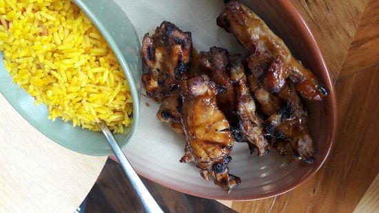 Nando's Restaurant: Nandos, nice BBQ chicken