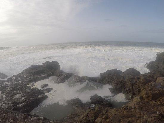 Little River Inn: BIG WAVE
