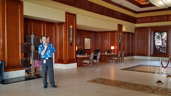 Grand Waikikian by Hilton Grand Vacations: Grand Waikikian lobby enterance