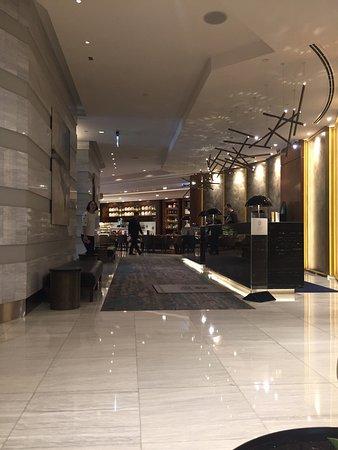 شيراتون دبي مول فندق الإمارات: Sheraton Dubai Mall of the Emirates Hotel