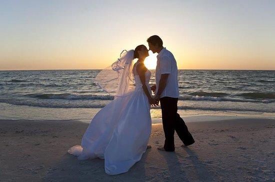 Cerimônia de casamento civil em uma...