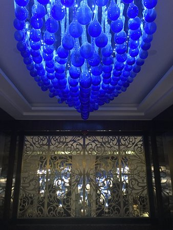 Four Seasons Hotel Buenos Aires: Beautiful decor throughout!