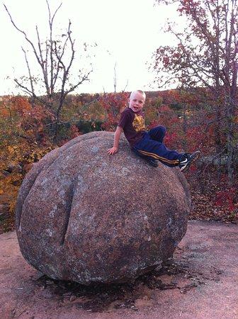 Arcadia, MO : Nearby Elephant Rocks State Park!