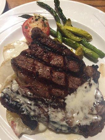 Tenaya Lodge at Yosemite: Steak at Sierra Restaurant was incredible!