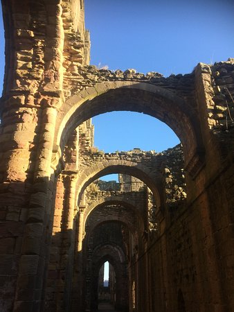 Fountains Abbey and Studley Royal Water Garden: Cold and frosty at Fountains Abbey Dec 2016