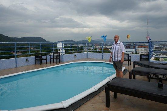 Huahin Loft Hotel: The hotel-roof-pool
