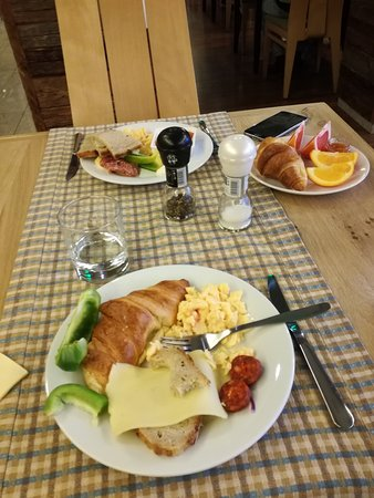 Balvanyos, Rumania: Breakfast. Very good.