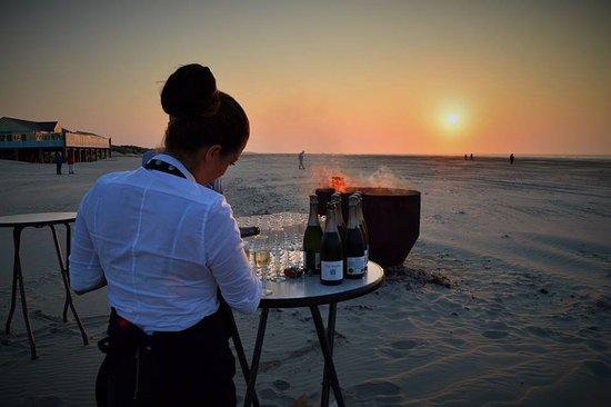 West-Terschelling, Niederlande: Bedrijfsuitjes op het strand van Terschelling