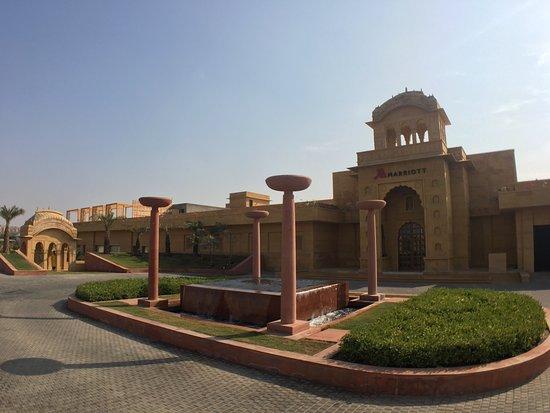 Picture of jaisalmer marriott resort spa - Jaisalmer hotels with swimming pool ...
