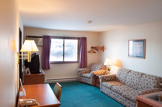 Merrill, WI: Two Room Grand Master