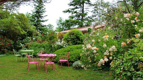 Baleyssagues, Francia: La ronde fleurie