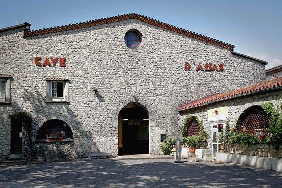 Assas, فرنسا: Devanture de la Cave d'Assas 