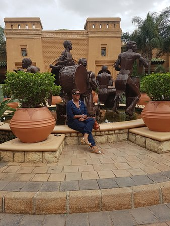 Polokwane, South Africa: Sculptures galore