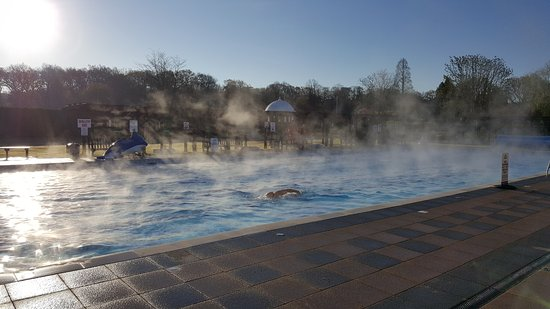 Jubilee Park: Our heated pools are heated to 29 degrees