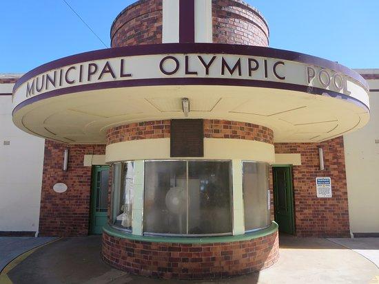 Maryborough Outdoor Swimming Pool: Art Deco pool entrance