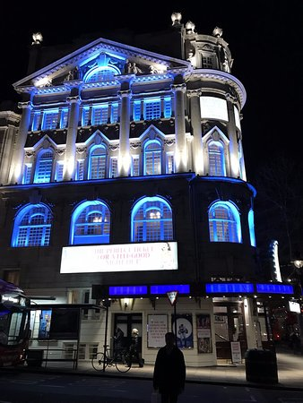 Mamma Mia: Novello theatre - beautiful