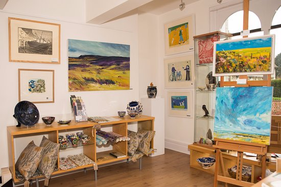 Saffron Walden, UK: Church Street Gallery Original Paintings, British Printmakers and beautiful gifts.