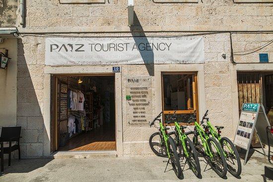 Vis, Hırvatistan: Paiz Travel agency