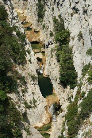 Caudies de Fenouilledes, Francia: Galamus : vue depuis la marche d'approche, grandiose !