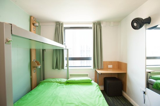 YHA London Oxford Street: Double private bedroom