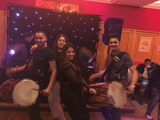 Ilford, UK: Amazing night Dj and dhol players on point🎉🎉