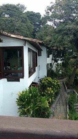Martin Pescador: Vista da área aberta da pousada da varanda do local do café da manhã