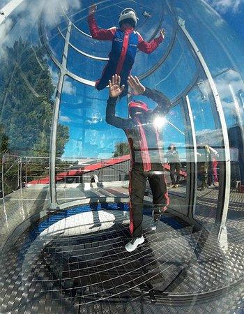 Champforgeuil, Frankrike: parachute en soufflerie
