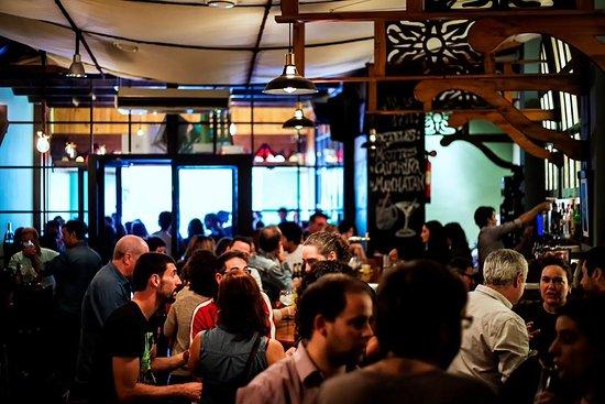 Cafe-pub Zeppelin en La Zubia (Granada)