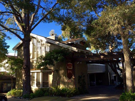 Carriage House Inn: photo1.jpg