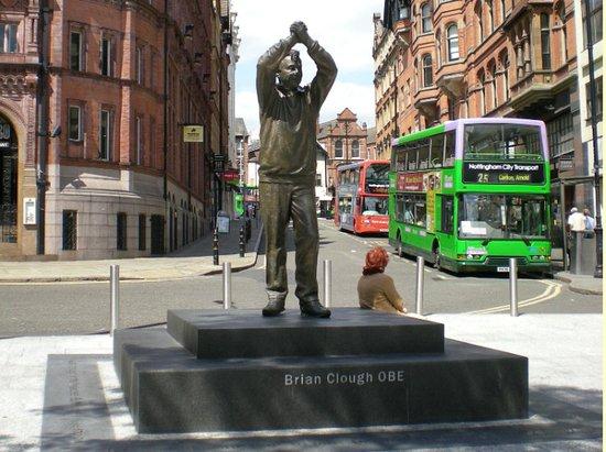 Brian Clough statue on the Nottingham Heroes & Villains Tour