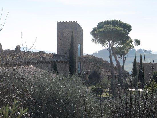 B&B Al di Fuori del Tempo: In the village
