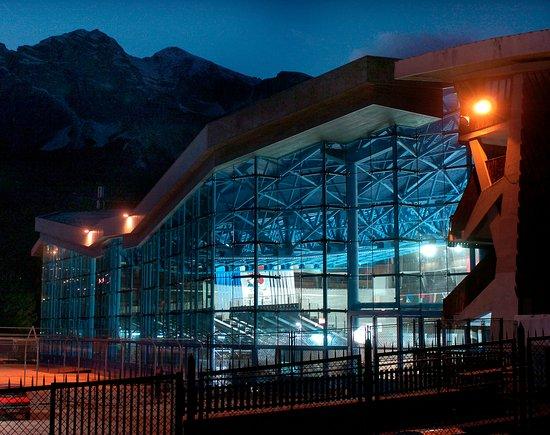 Stadio Olimpico del Ghiaccio