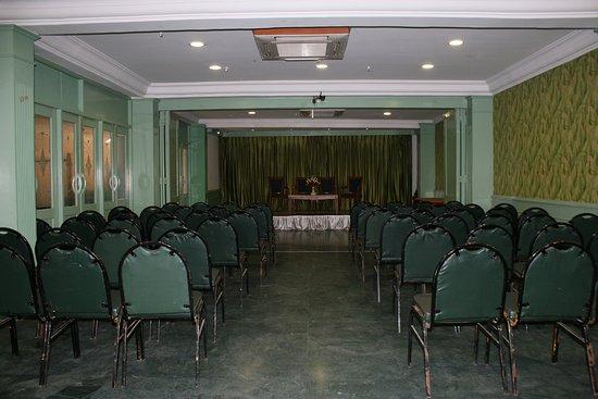 Hotel Komfort Suites: Banquet hall