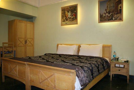 Hotel Komfort Suites: Deluxe room with wider beds