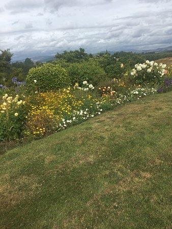 ดูลันส์คันทรี่รีทรีท: Gardens